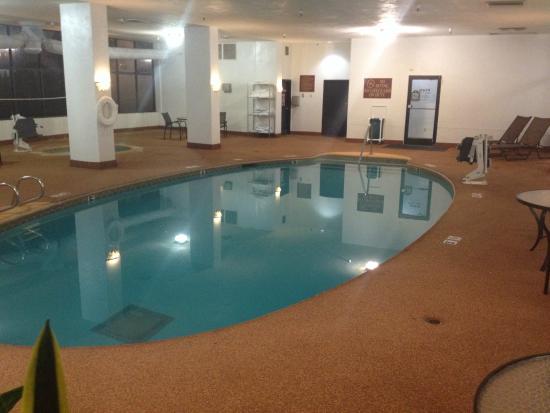 Embassy Suites by Hilton Tulsa - I-44: Pool
