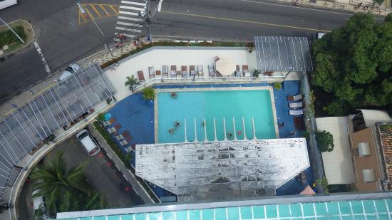 Hotel Sol Barra: Uma limpeza/pintura nesta laje seria mais agradável aos olhos dos hospedes