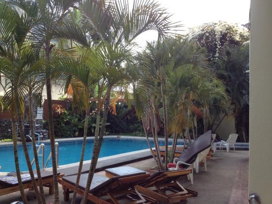 Sabai Mansion: Very deep pool