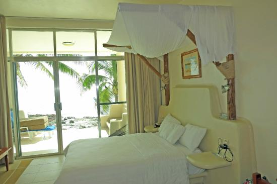 Paamul Hotel: Hotel Room with two queen beds looks out to the sea