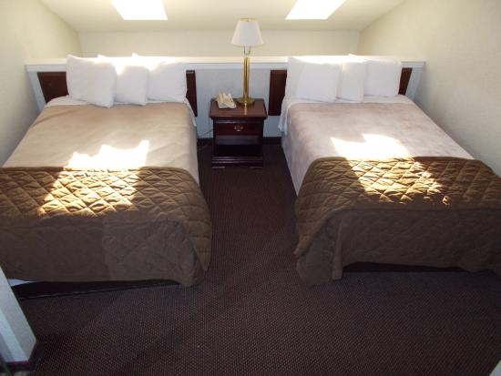 Madison Suites Hotel: Suite Two Beds