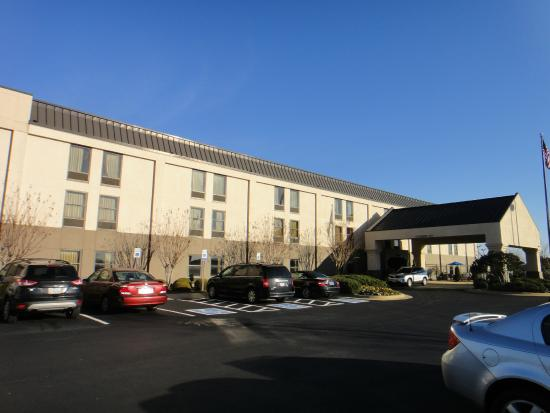 Hampton Inn Tuscaloosa -East: View of my room from the outside