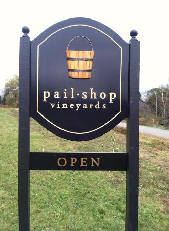 ‪Pail Shop Vineyards‬