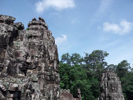 Angkor Amazing Trip