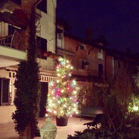 Cascina Rossa: Beautiful courtyard