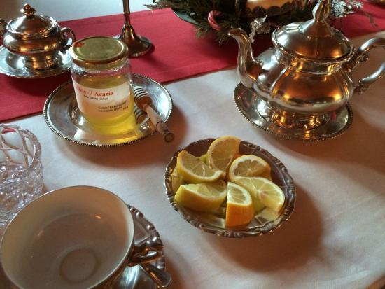 Cascina Rossa: Tea and honey upon request