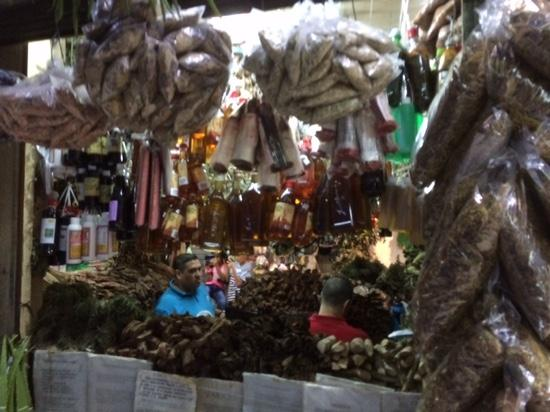 Mercado Nacional de Artesanías: herbs, roots for medicinal use, etc...