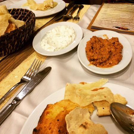Ziya Sark Sofrasi : A yogurt based dip and also the Cevizli Muhammara(which is fabulous)