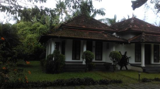 Triveny River Palace: Lawn