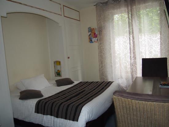 Hotel du Croise: Chambre