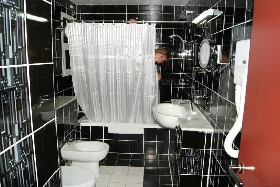 Nihal Hotel: большая ванная