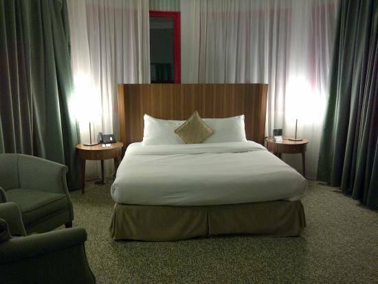 City Seasons Al Hamra Hotel Abu Dhabi: Junior suite