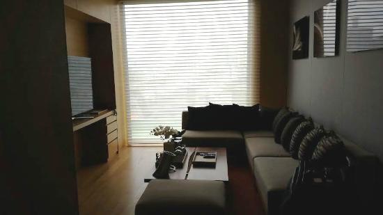 بورجومي سول بوتيك هوتل: the dinning room in our suite