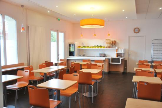 Ibis Budget Le Puy-en-Velay : Salle petits déjeuners ibis budget le puy en velay