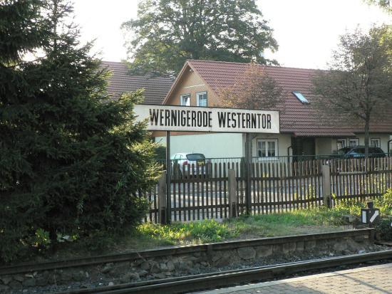 Zugfahrt zum Brocken: Wernigerode Westerntor駅