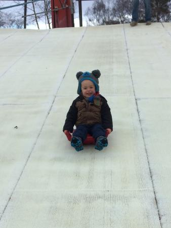 Warmwell Holiday Park Ski Slope: Toddler fun in the nursery slope! (2.5 yrs old)