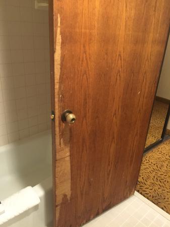 DoubleTree by Hilton San Jose: Door in room 830