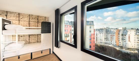quad room picture of generator hostel paris paris tripadvisor. Black Bedroom Furniture Sets. Home Design Ideas