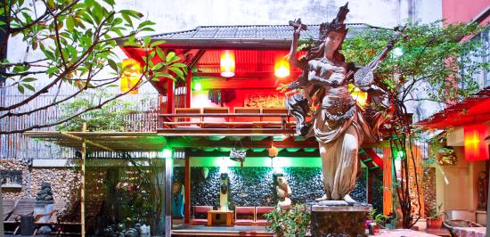 Villa Cha-Cha: Lobby