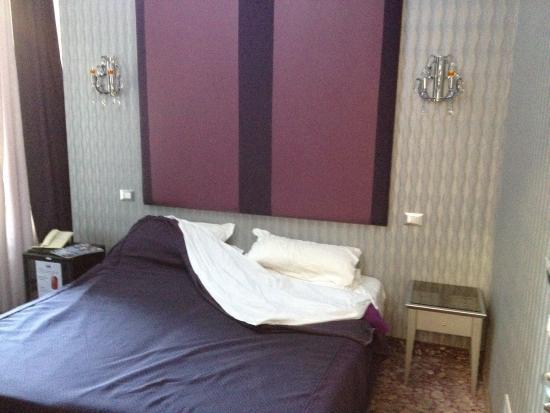 Hotel Relais dei Papi : Camera da letto (appena svegliati)