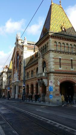 City Hotel Matyas : Центральный рынок