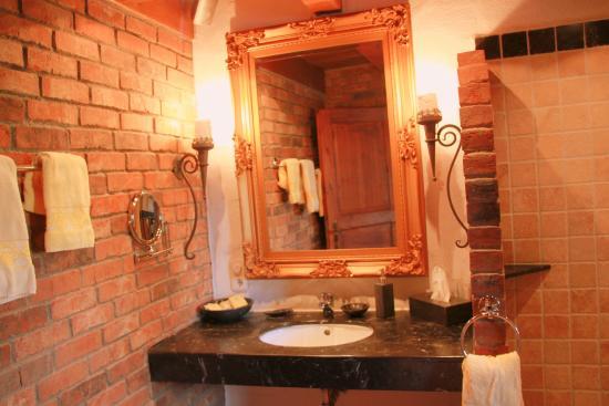 mediterranes badezimmer bild von romantiklandhaus. Black Bedroom Furniture Sets. Home Design Ideas