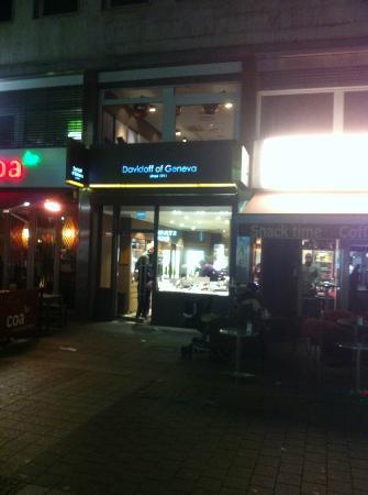 Davidoff Flagship Store
