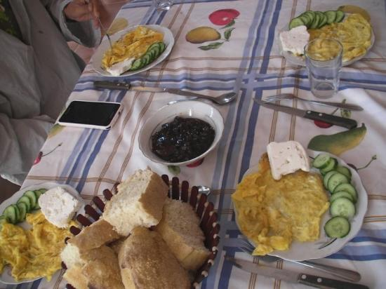 Florian Shkodra Guesthouse and Hostel: breakfast !! delicious