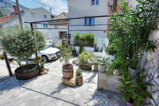 Villa Anri Mostar: Entrance