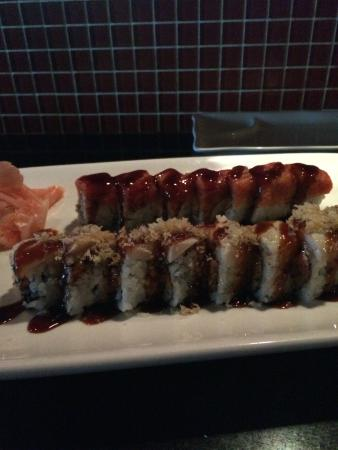 Tani Sushi Bistro : White House and Josh Brown Roll...very tasty!