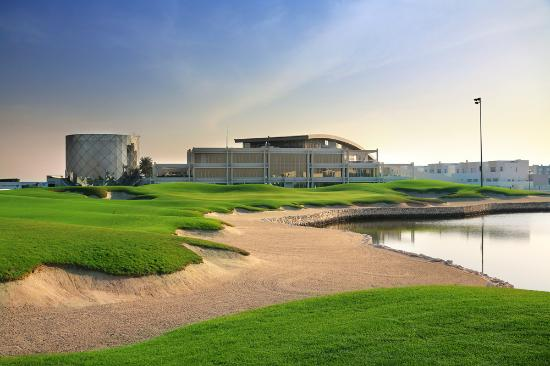 Riffa, Bahrain: Royal Golf Club - 18th Green & Club House