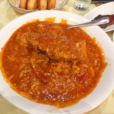 Seafood Paradise : Singapore chilli crab for one.
