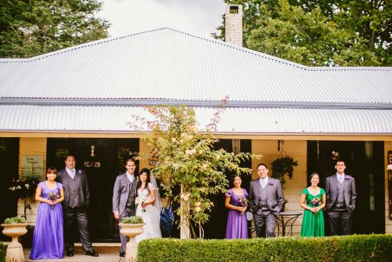 Sylvan Glen Country House: Outside the main office building (Linda Truong Photography)