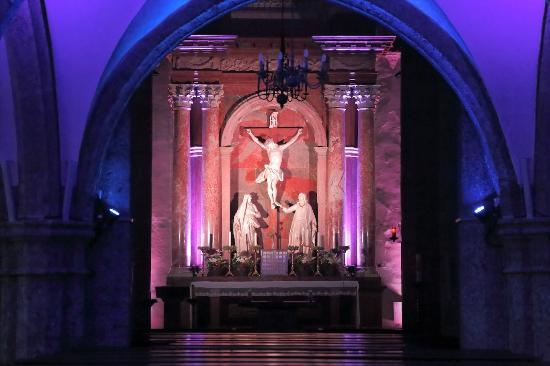 Sankt Blasiuskirche: 祭壇