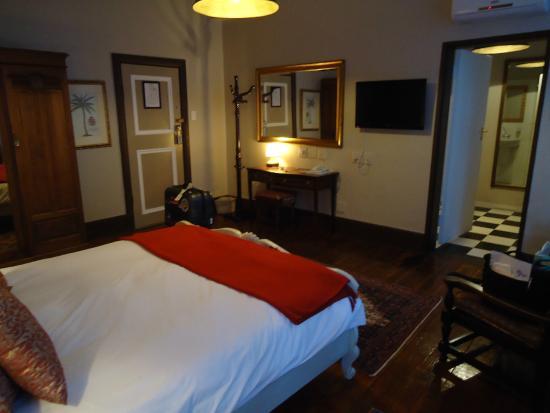 Tudor Hotel: ベッドルーム・部屋は十分な広さ