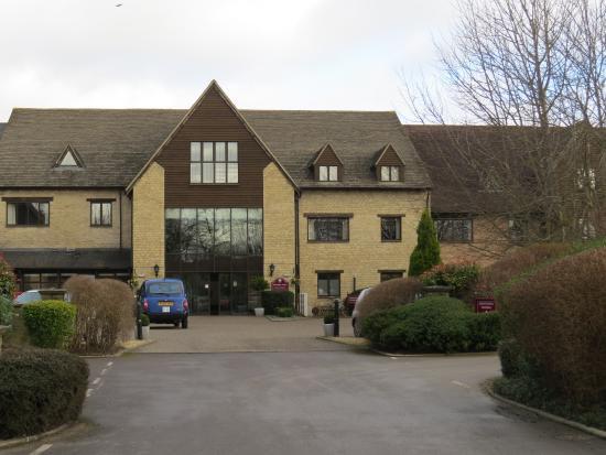Oxford Spires Four Pillars Hotel: Hotel Entrance