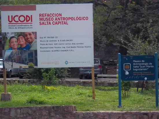 Museo de Antropologia de Salta: Acceso próximo