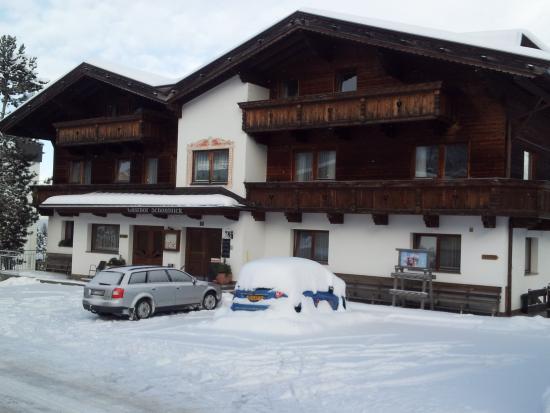 Hotel Schonblick: front of hotel