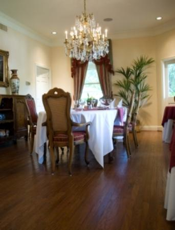 The Sanford House: Monet Dining Room