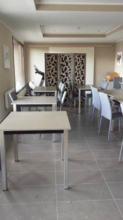 la salle de sport au fond de la reception photo de les chalets de l 39 isard les angles. Black Bedroom Furniture Sets. Home Design Ideas