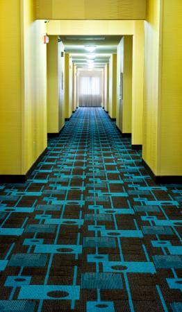 Fairfield Inn Duluth: Hallway view