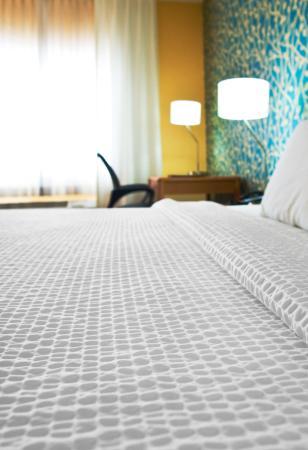 Fairfield Inn Duluth: comfortable bedding
