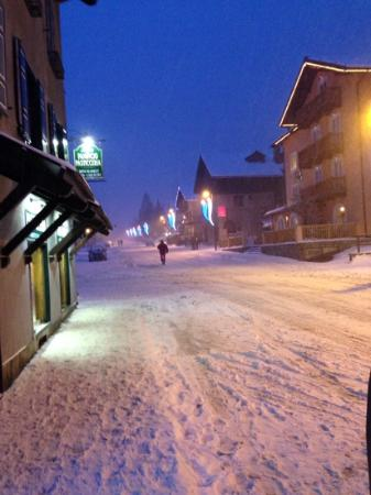 Hotel Miramonti: Evening in Claviere