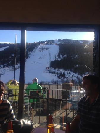 Hotel Piolets Soldeu Centre: View from the bar in reception
