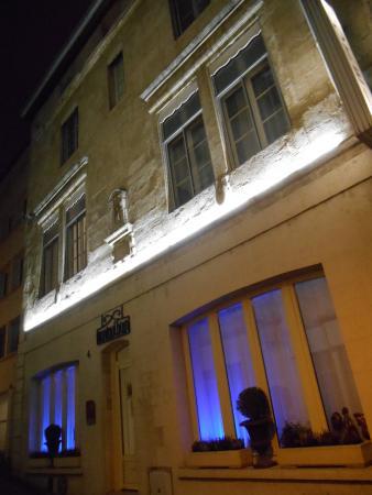 Hotel de Montaulbain: L'HOTEL  FAÇADE 16EME SIECLE DE NUIT