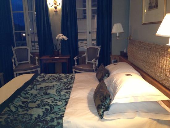 La Maison de Lucie: Comfortable bed with top of the line linens.