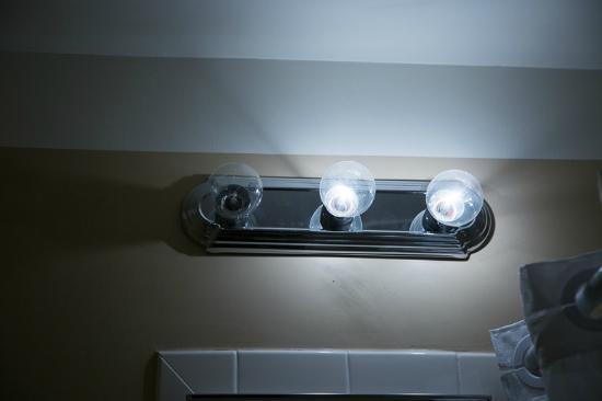 Gadsden Hotel: missing lights in bathroom