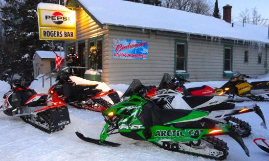 Watersmeet, MI: Sled in to Rogers Bar