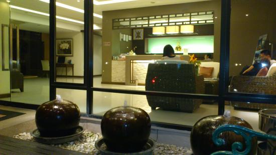 The Grand Napat: hotel lobby