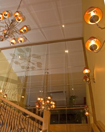 Kettles Country House Hotel: Restaurant Entrance - Staircase